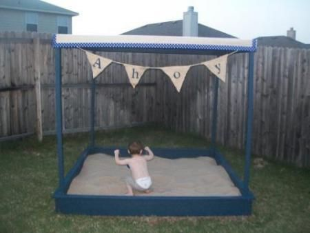 DIY Furniture : DIY Large Covered Sandbox