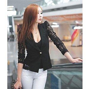 Preciosa chaqueta de encaje disponible en blanco y negro