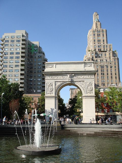 NYC - Washington Square Park: Washington Square Arch and Tisch Fountain; best place to people watch
