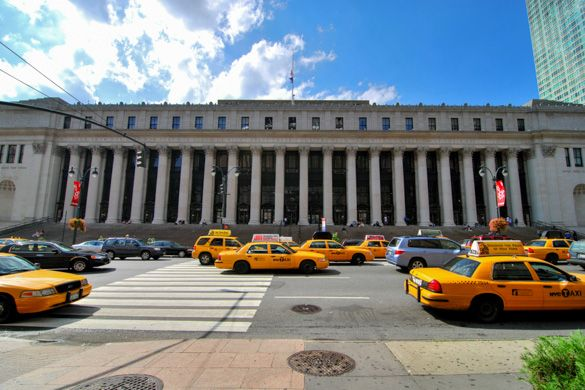 The impressive James A. Farley Post Office in #Chelsea, #Manhattan #NYC http://www.nyhabitat.com/blog/2013/07/15/live-like-local-chelsea-manhattan/