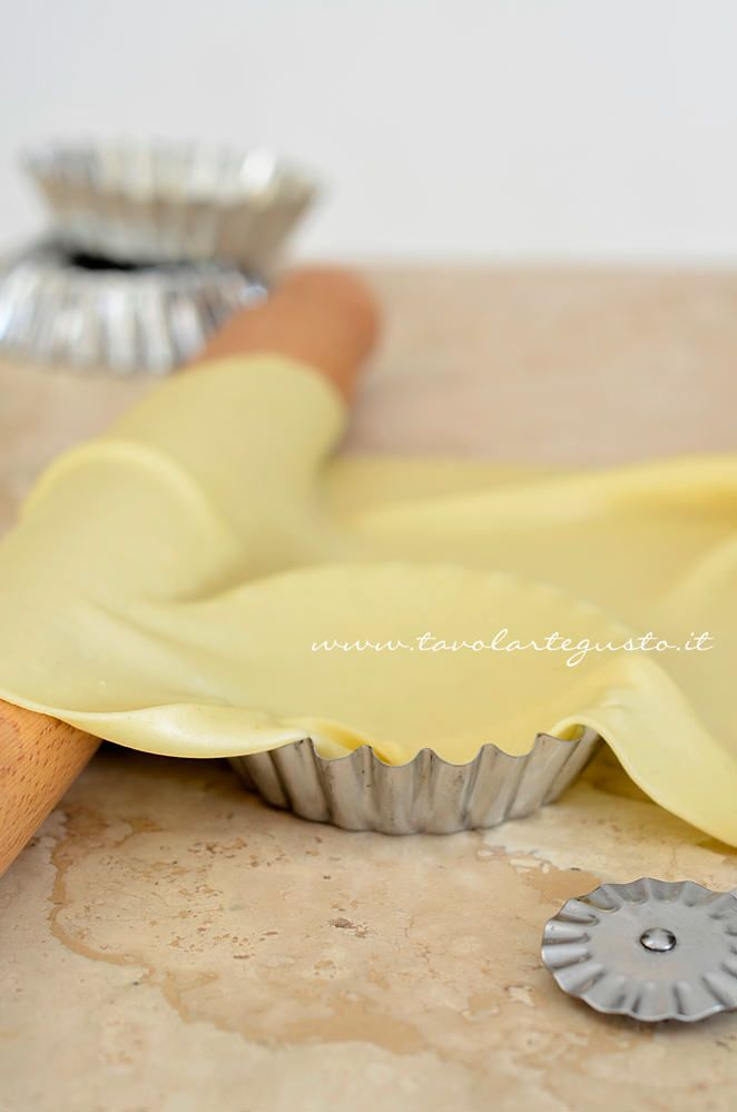 PASTA MATTA ~~~ pasta matta is a type of dough commonly used in strudels, pies, savory tarts, and such.besides that which you see above, this post's link also shares an herb-infused version. [Italy] [tavolartegusto]