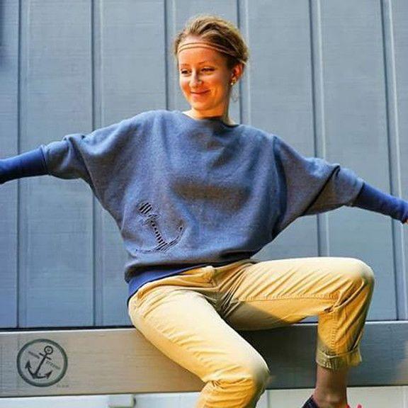 Näh dir einen coolen Fledermaus-Pullover  -Meer dazu im Blogpost auf www.moin-Lotta.com nähen, sewing, Schnittmuster, patterns , Damen, Frauen, Women, Stoffe, fabrics, Bekleidung, clothes, Ebook, Moin Lotta, Moin-Lotta, MoinLotta, Pulli, Shirt, Fledermausärmel