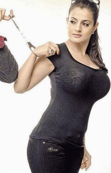 Ameesha patel bombarded with dirty messages about her breasts