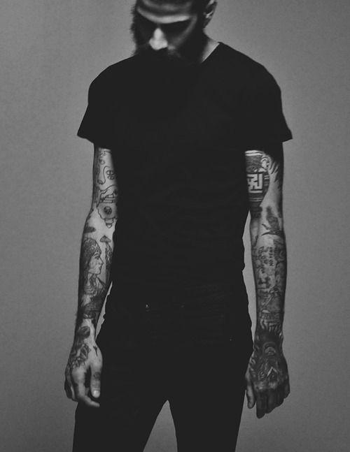 simple black t shirt  black jeans tattoo tatted beard fashion men tumblr style