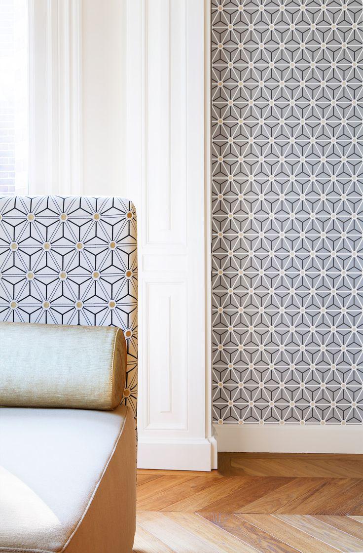 Grey wallpaper/behang Layers by Edward van Vliet - BN Wallcoverings