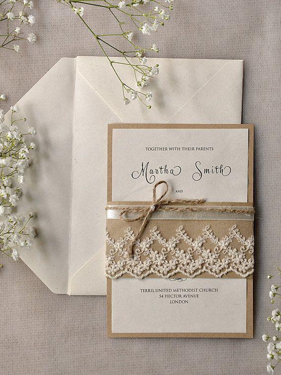 Para una boda al aire libre nada mejor que estas sencillas y románticas invitaciones rústicas de 4LOVEPolkaDots