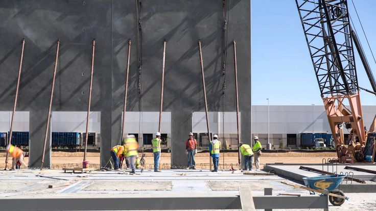 Roll Real Estate Development: Paramount Logistics Park Construction Time...