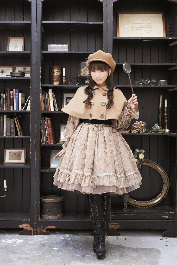 Amazing Sherlock Holmes inspired Lolita outfit! *0*