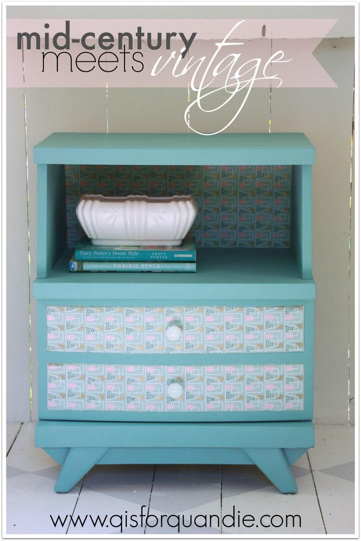 DIY nightstand makeover with vintage wallpaper | DIY ...