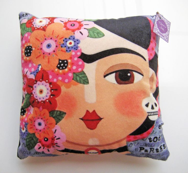 Cojines Frida Kahlo (Buscar con Google)   -   Frida Kahlo cushions (Search with Google)