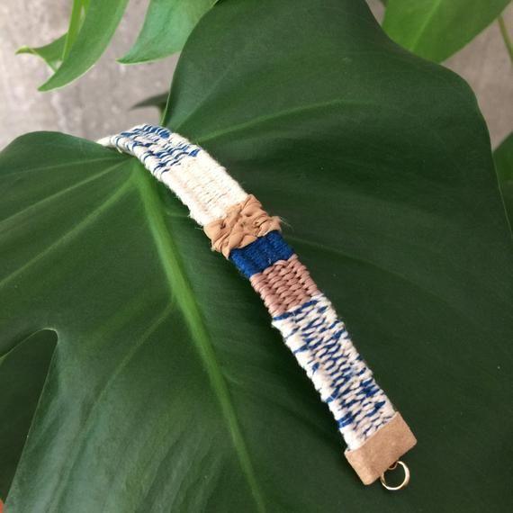 Bracelet en coton lin bijoux bleu crème Boho bracelet Boho chic Bijoux mariage naturel bracelet hippie moderne Bracelet tissé à la main métier à tisser
