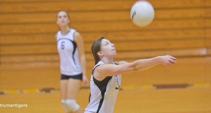 6 Easy Parent Child Volleyball Drills You Don T Have To Be A Trained Volleyball Coach To Help Your Child Practice The Basic Skills Of Bumping With Images Volleyball Drills