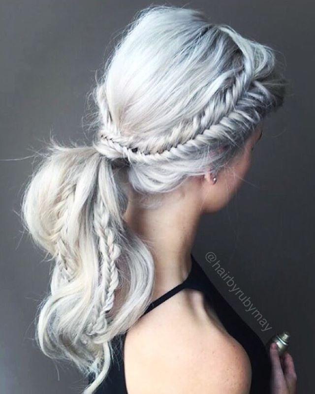 Love the look of this multi-braid ponytail mermaid hairstyle.