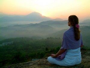 Het is nu ongeveer 10 jaar geleden dat ik het mediteren heb ontdekt. Ik kan wel zeggen dat het me veel heeft gebracht. Om gezonder te worden is gezonder eten denk ik niet voldoende. Mediteren is voor mij duidelijk een groot stuk in de puzzel. Veel mensen vinden meditatie maar raar en zweverig. Ik denk daar zelf anders over, net als de wetenschap.
