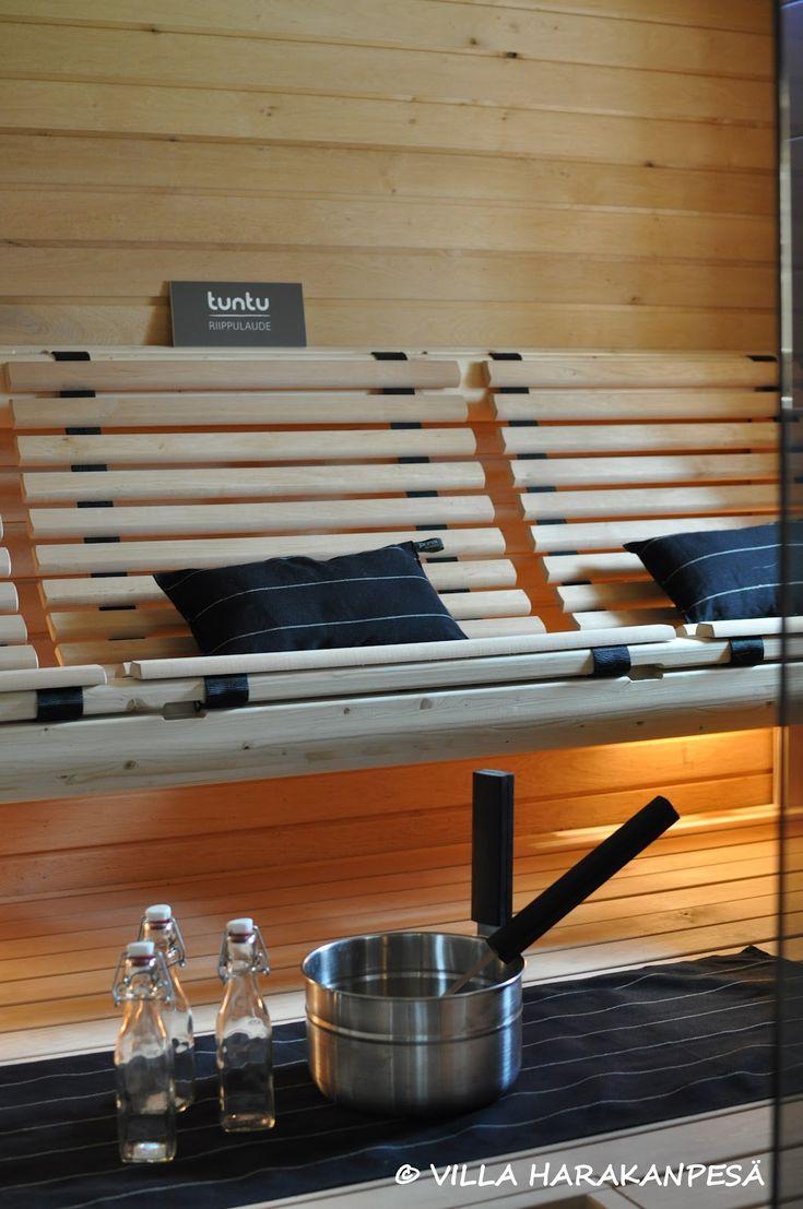Puistolassa.: Tampereen asuntomessuilla: kylpyhuoneet, saunat & vessat