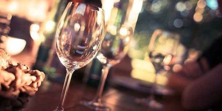 vinjournalen.se -  Vin Tester : Vi matchar vin med årets 7 viktigaste mattrender |  Bonnier Tidskrifter når över 70 procent av Sveriges kvinnor via sina varumärken, både magasin och digitalt. I undersökningen har 1 152 kvinnor mellan 25 och 64 år intervjuats om sina vanor, behov och syn på mat, livsmedel och matlagning. Förutom hos mat- och dryckestidningarna Allt om mat,... http://wp.me/p73gTR-3BT