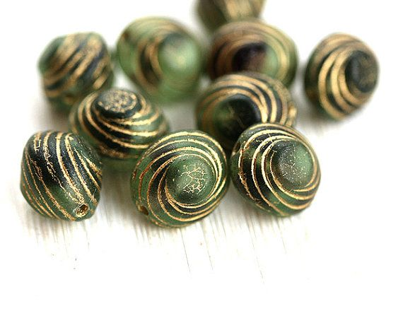 Swirl oval beads, Green and Black, czech pressed beads, Golden spirals, Frozen finish, green and gold - 10mm - 10Pc - 0629