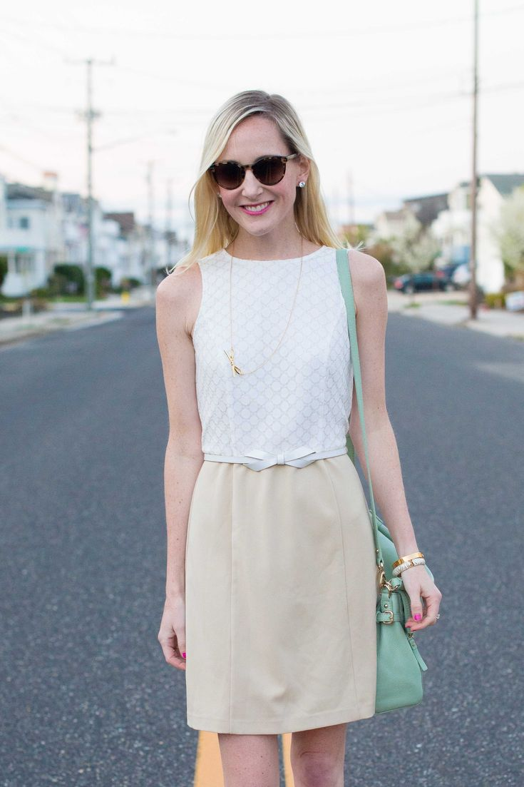 Nights on the Shore: Kensie Dresses, Mint Bags and Lots of Bows