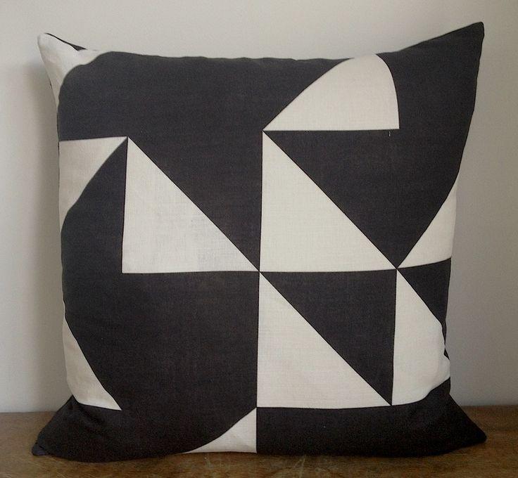 Image of Kube Cushion