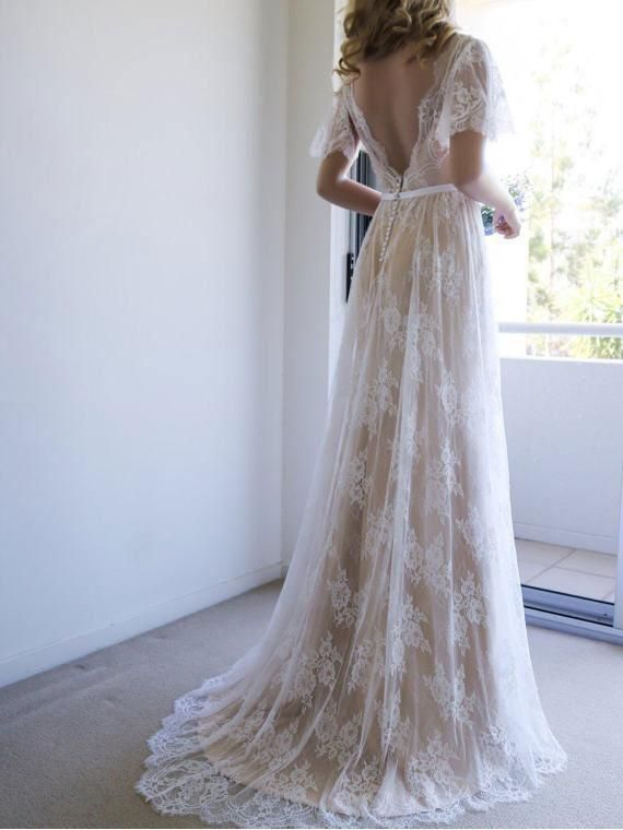 Bohemian Fitted Lace Beach Wedding Dresses Short Sleeve Bridal