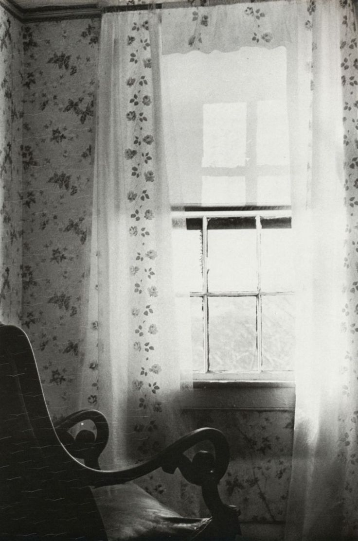 Eva Rubinstein, Rocker, Abandoned house, Rhose Island, 1972. From Eva Rubinstein.