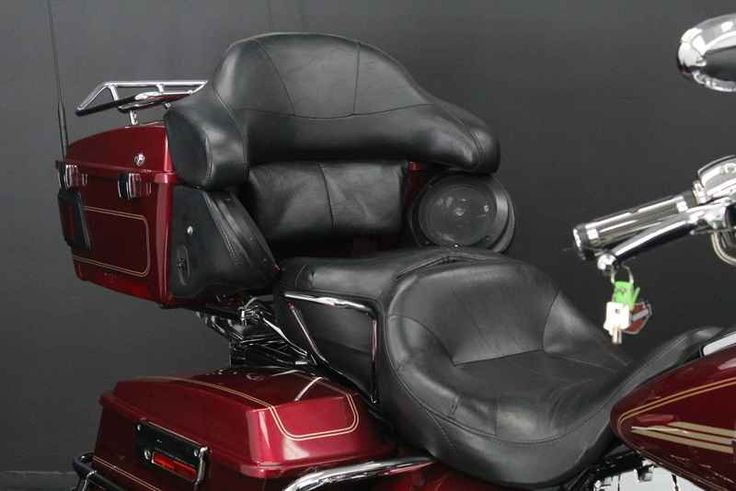 Used 2005 Harley-Davidson FLHRCI - Road King Classic Motorcycles For Sale in Florida,FL. 2005 Harley-Davidson FLHRCI - Road King Classic, UPGRADED GRIPS!!<br> <br> HARD SADDLE BAGS!!!<br> <br> PASSANGER BACKREST!!!<br> <br> UPGRADED SEAT!!!<br> <br> LUGGAGE RACK!!!<br> <br> AM/FM RADIO!!!<br> <br> FLOORBOARDS!!!<br> <br> ENGINGE GUARD!!!<br> <br> HIGHWAY PEGS!!!<br> <br> WINDSHIELD!!! <br /> <br /> Step out to the garage and there it is, resting beneath the flickering light. The Road King®…