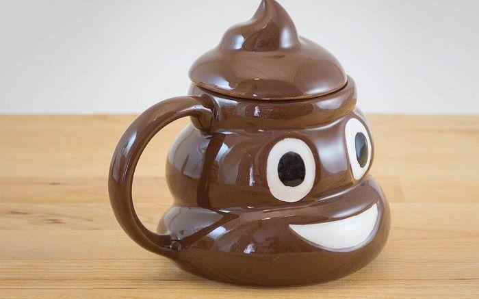kubek-emotikon-poop