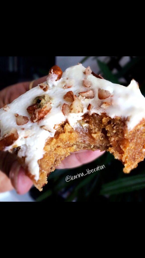 Healthy White Chocolate Carrot Cake Blondie Bars