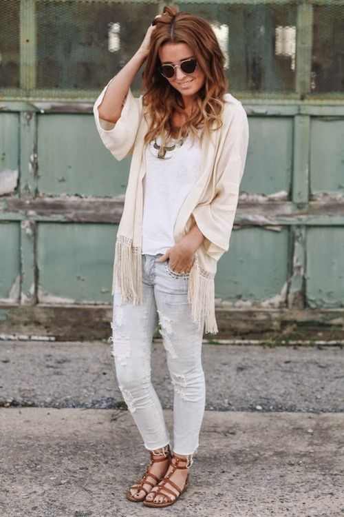A boho cardigan adds movement into a simple weekend look.