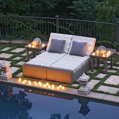 Love this double chaise lounge! Would look great by the pool!
