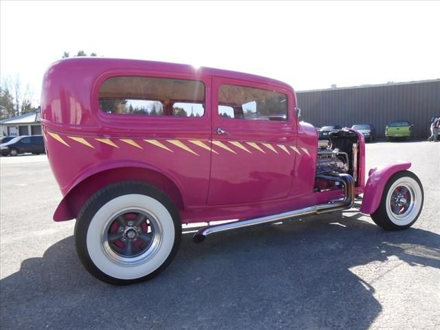 1932 Pink Ford Classic Car Classic Pink Ford //.iseecars  sc 1 st  Pinterest & 52 best Valentines images on Pinterest | Car Vintage cars and Engine markmcfarlin.com