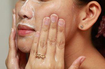 Перекись водорода для лица, рецепты масок и пилинга, осветление волос на лице, противопоказания