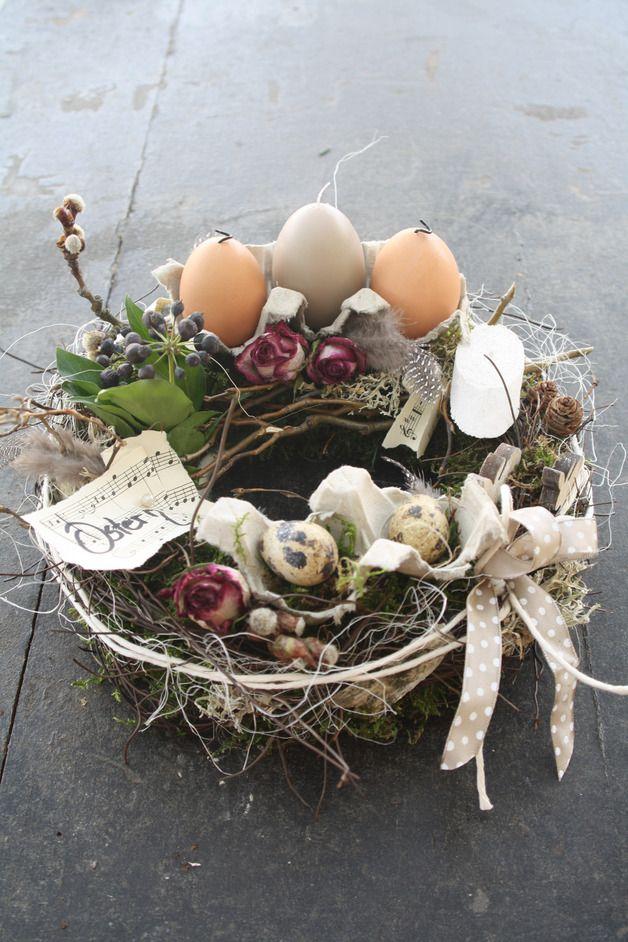 Osterdeko - :::: Kleiner Tischkranz Ostern :::: - ein Designerstück von BlumereiBerger bei DaWanda