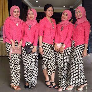 Model Kebaya Kutubaru Warna Pink Dengan Rok Batik Kawung Batikku