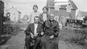 M. et Mme Joseph Guay et leurs deux filles, de Roberval