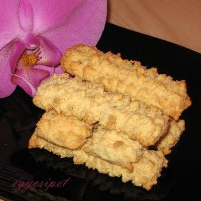 egycsipet: Nosztalgiasüti: darálós keksz