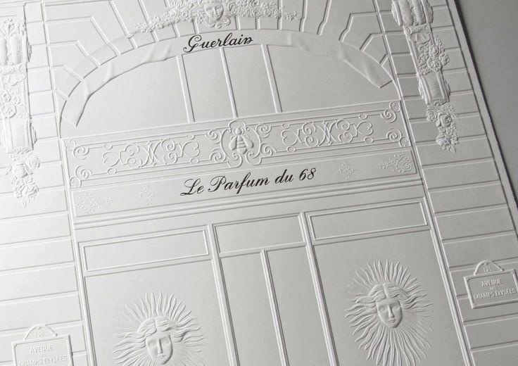 Illustration gaufrée représentant la façade de la boutique Guerlain avenue des (...)