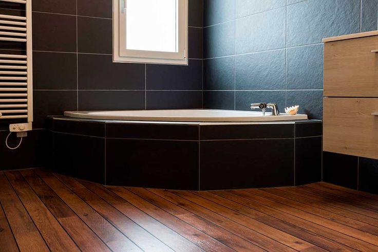 Les 25 meilleures id es de la cat gorie parquet pont de for Poser du parquet dans une salle de bain