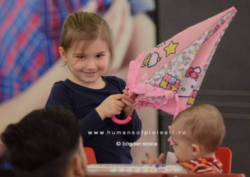 """Atunci cand incercam sa ne instruim copiii despre totul din viata, ei ne invata ce este viata.""  people, stories & photos - www.humansofploiesti.ro"