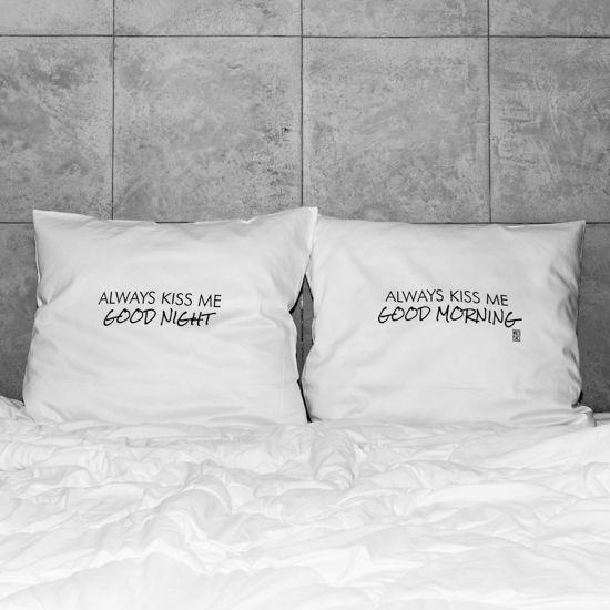 słowa, które odmienią każde wnętrze! białe, gładkie poszewki z zakładką 20 cm, 2 szt.100% bawełna (satynowana) dostępne wymiary: 80x70 cm prać ręcznie na lewej stronie maks. temp. 30°C seria: LOVE #whiteplace #whiteplacepl #pillow #poszewka #dekoracja #prezent #gift #love #kiss #goodnight #goodmorning