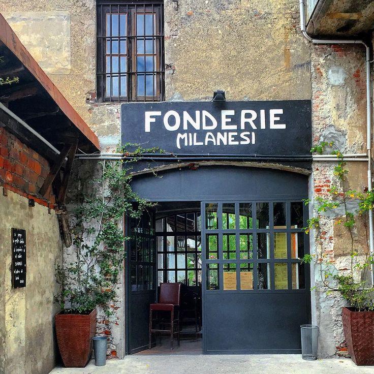 onderie Milanesi #fonderiemilanesi#fonderie#milanesi #fonderia#locale#restaurant#cucina#cocktailbar #bar#buffet#brunch#aperitivi#cortile #insegna#antica#vintagesign#vintagesigns #vecchiamilano#oldstyle#vintage #ticinese #milano#milan #italia#italy