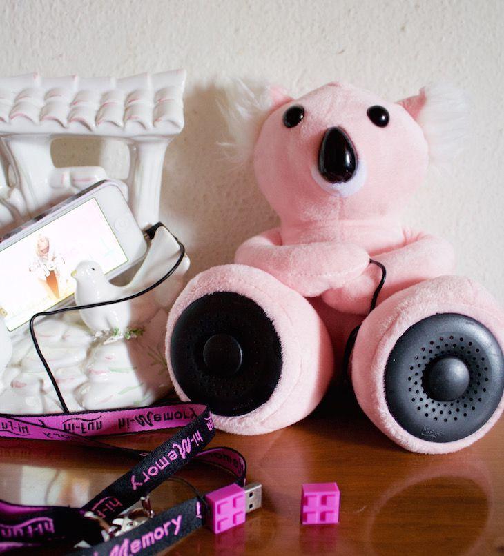 #KOALA shaped music amplifier for smartphone and memory key  #hitech #koala #usbkey #computer #smatphone #technology #home #interior  #pink #design #cool