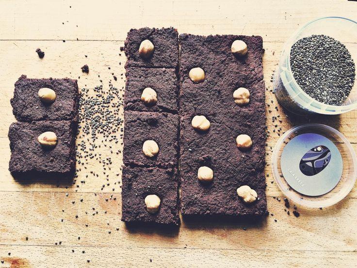 Brownies alla barbabietola (con datteri) zenza zucchero