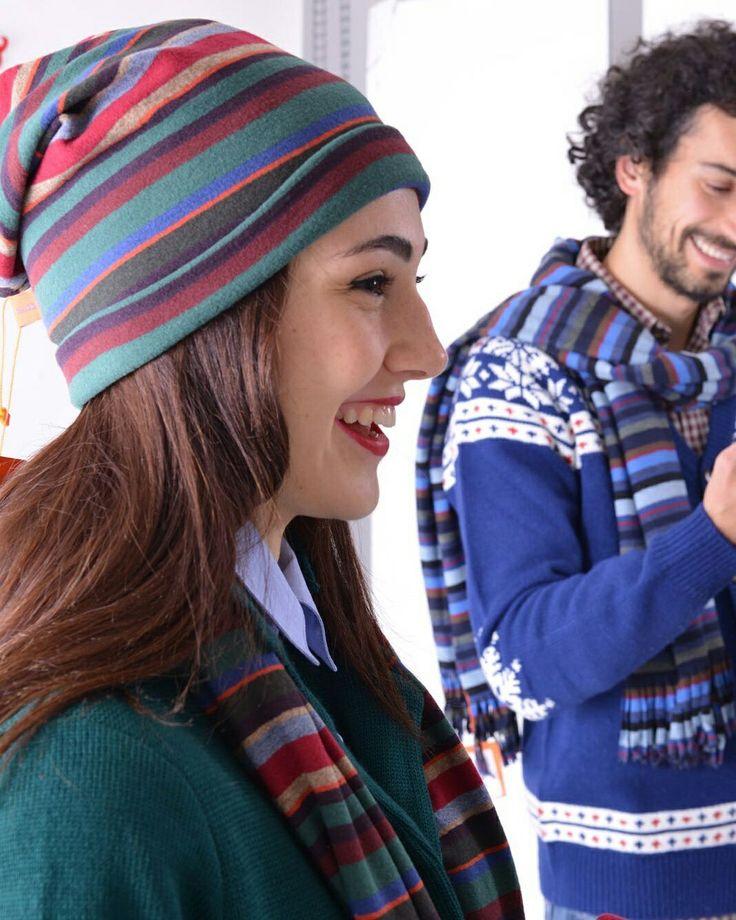 Cappello e sciarpa  righe Gallo Accessori. #theartofgallo #stripes @gallospa #calzegallo #scattorubato #model #friends #idearegalo #whishlist #sorrisi #smile  #boutiquegnisci #shoponline Www.boutiqiegnisci.com Spedizione gratuita