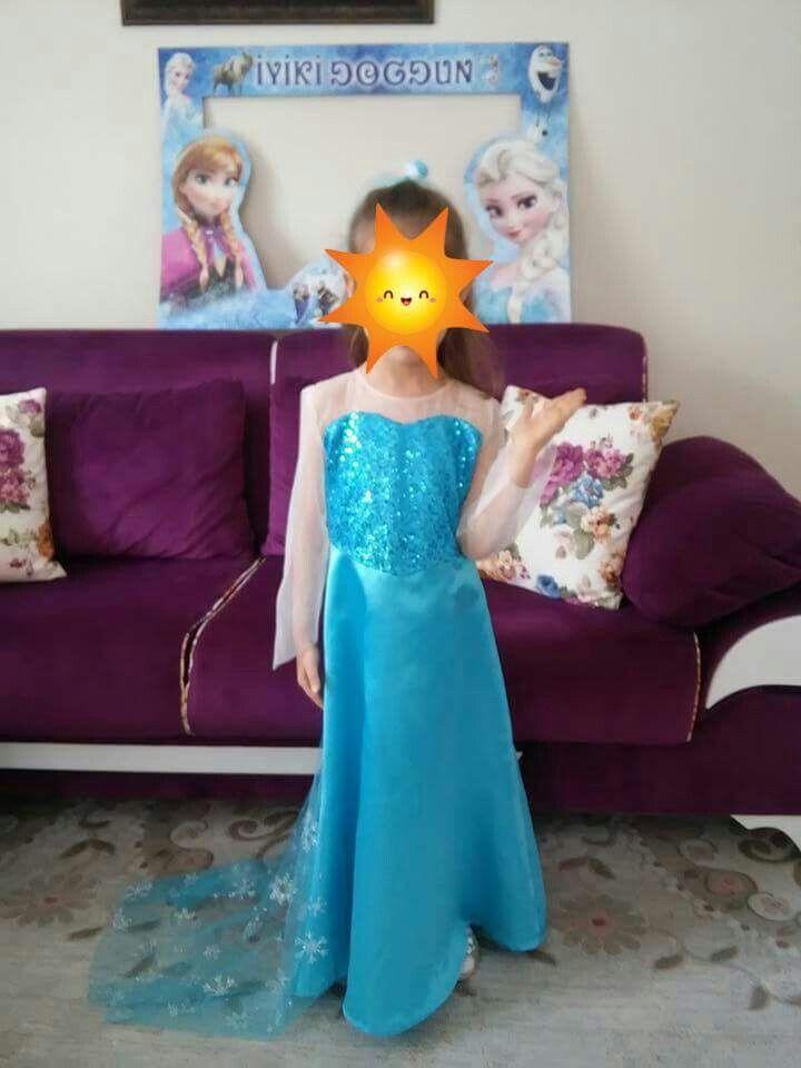 Kızıma doğum günü için diktiğim Elsa elbisesi ;)