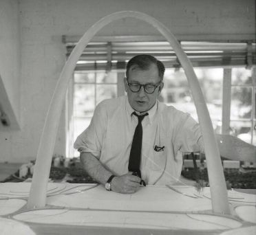 Eero Saarinen. (August 20, 1910 – September 1, 1961) was a Finnish American architect and industrial designer of the 20th century famous for varying his style according to the demands of the project: simple, sweeping, arching structural curves or machine-like rationalism.