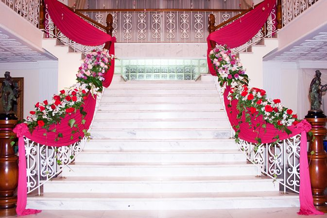 Escaleras decoradas telas y flores 15 a os pinterest - Flores de telas hechas a mano ...