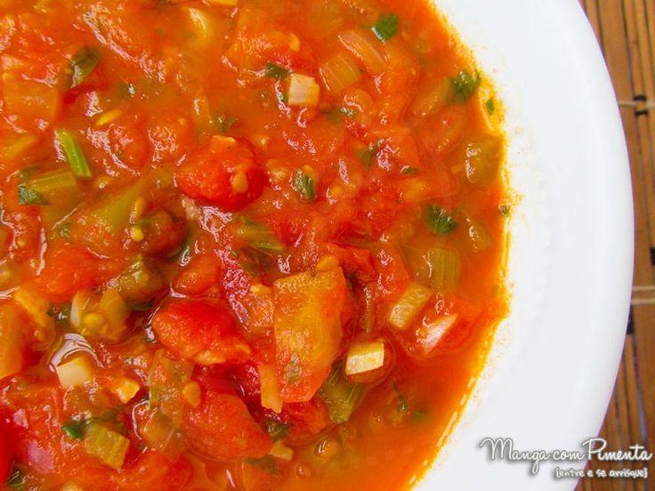 Molho de Tomate Caseiro e Sem Conservantes. Clique na imagem para ver a receita no blog Manga com Pimenta.