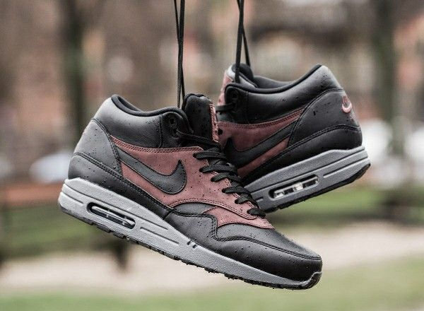 Nike Air Max 1 Mid Deluxe QS