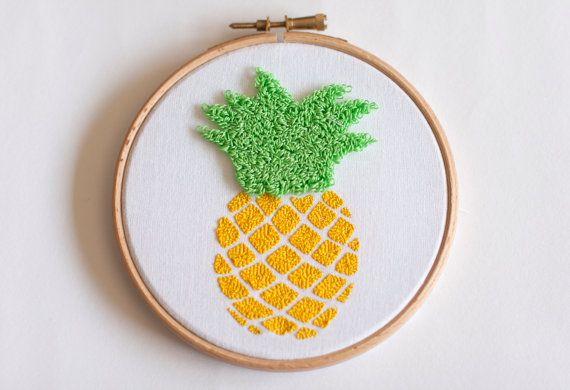 Bastidor decorativo bordado piña Embroidery hoop por MissKatiuska
